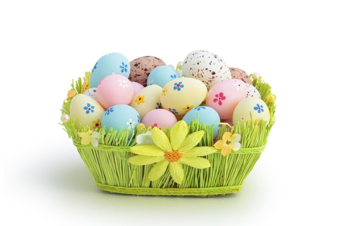 Diy Easter decoration ideas with Easter eggs17