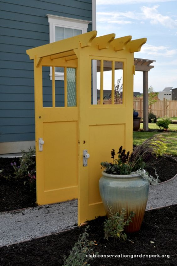 13/08/2016· a budget bedroom makeover : Decorate garden with recycling old doors - 20 creative