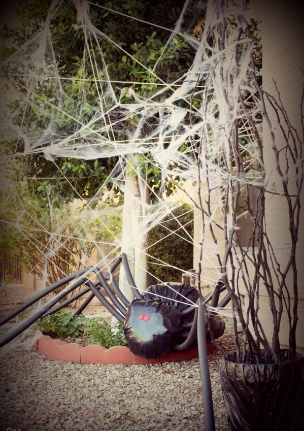 halloween-party-decoration-in-garden9