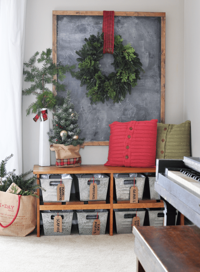 christmas-house-entrance-decoration-ideas-1