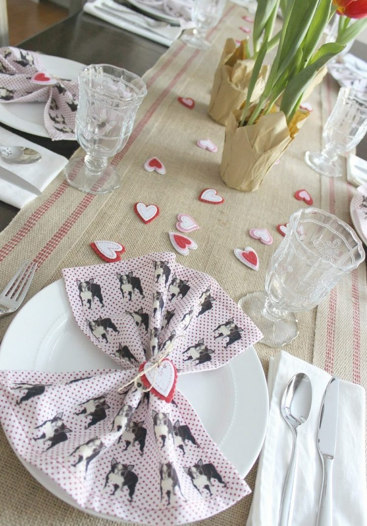 Burlap Table Runner ideas (4)