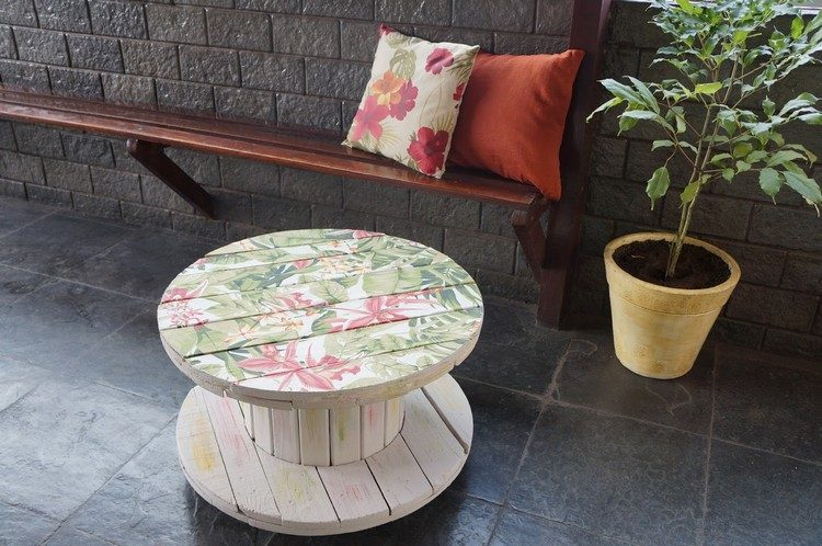 coffee table from wire spools (13)