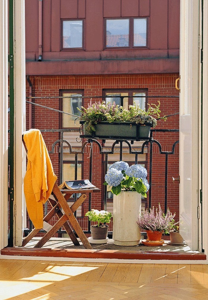 small balcony ideas18