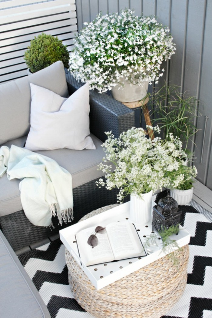 small balcony ideas29