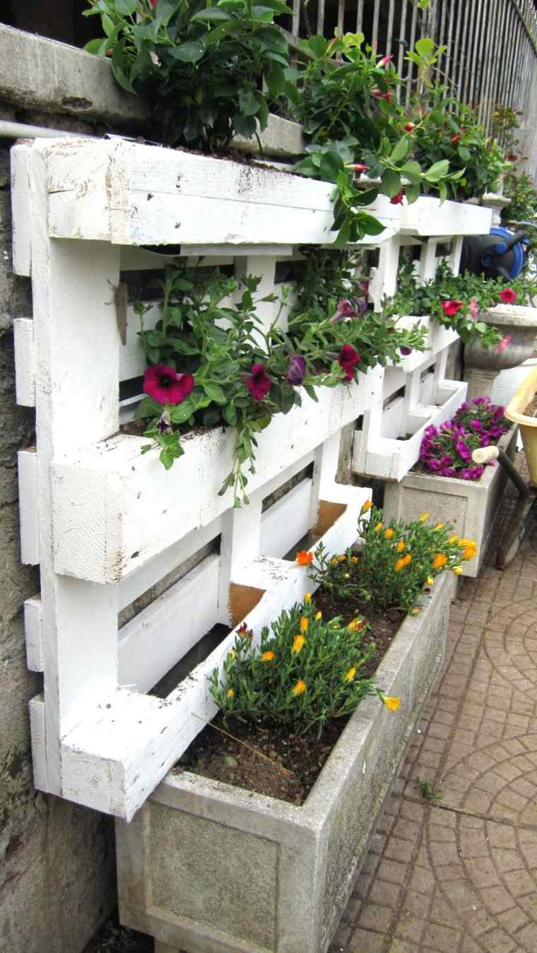 Pallet wooden planter ideas10