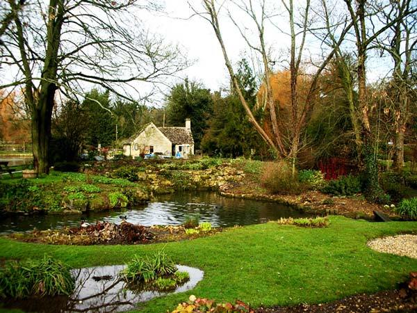 Bibury Incredible beauty in the English province9