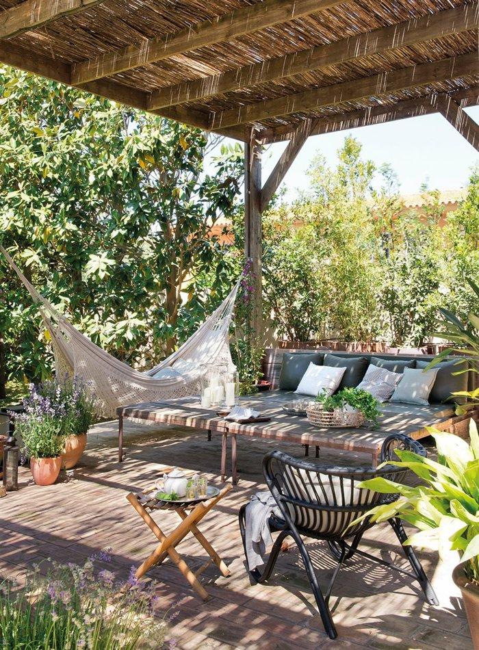 Garden with pergola3