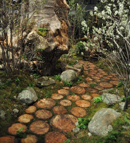 garden paths with wood8