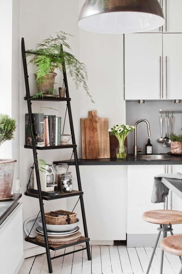 Decorating with ladders (9)