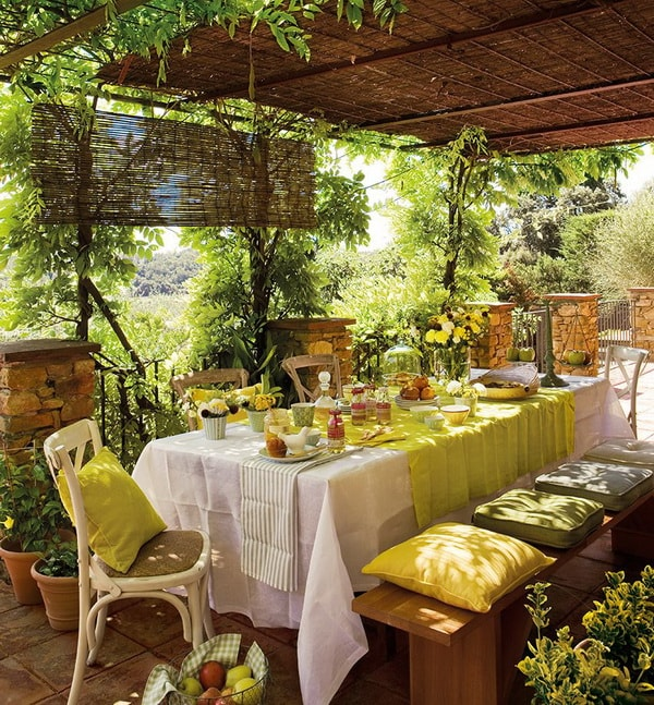 Ideas for decorating outdoor tables12