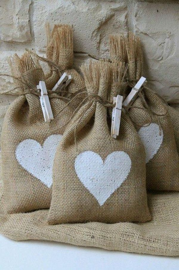 decorating ideas with burlap and lace (8)