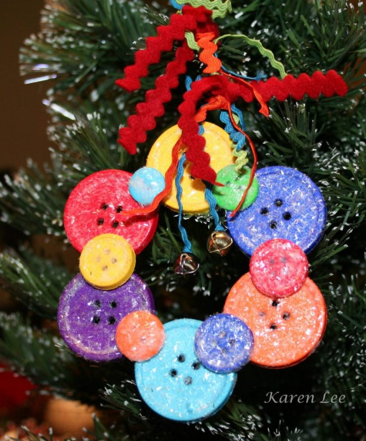 Christmas DIY crafts from buttons (17)