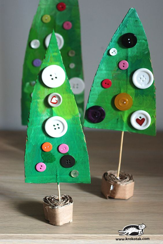 Christmas DIY crafts from buttons (19)