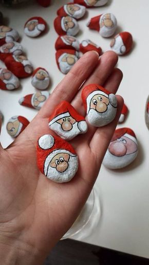 Christmas painting on stones and pebbles (24)