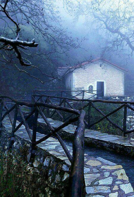 dream houses in the mountains of Greece21