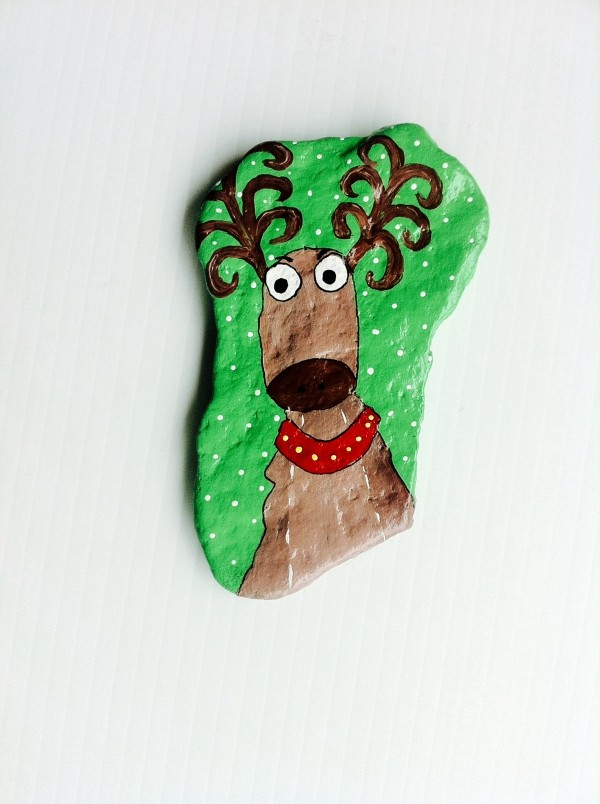 Christmas painting on stones and pebbles (41)