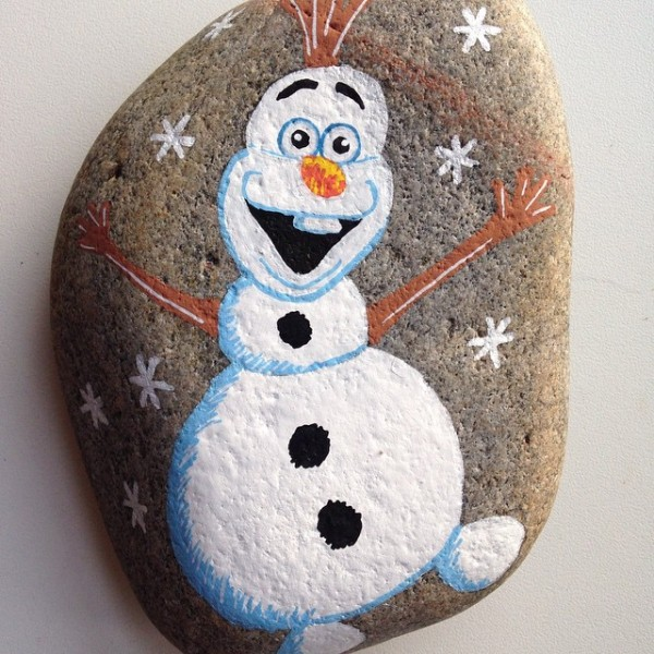 Christmas painting on stones and pebbles (8)