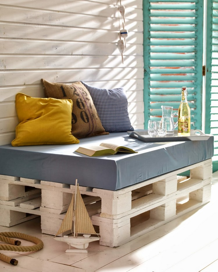 Balcony pallet Sofa ideas15