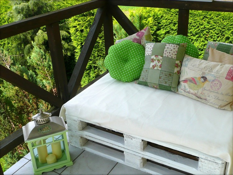 Balcony pallet Sofa ideas21