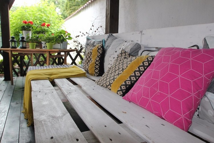 Balcony pallet Sofa ideas22