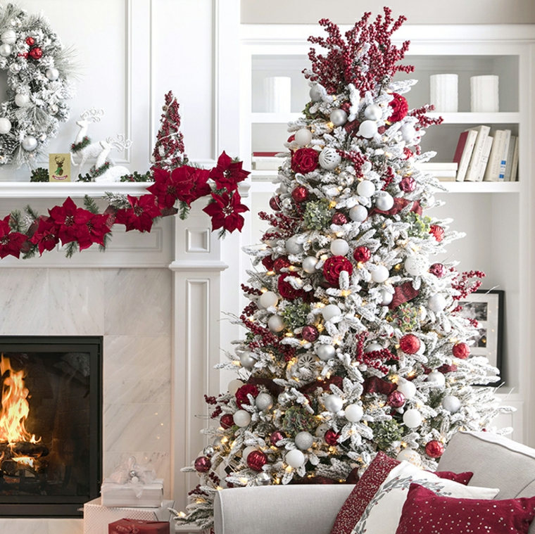 Sophisticated Christmas Tree: Adorable Modern Christmas Decorations For All Tastes