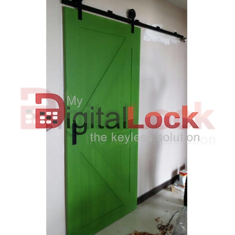 kingdom-barn-door-with-roller-track