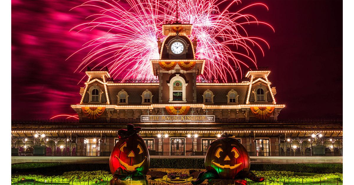 disney world fall pumpkin fireworks