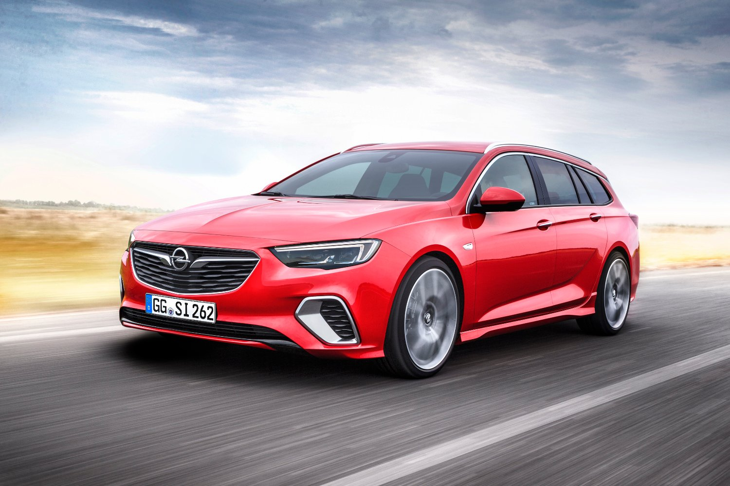 Sharp, powerful, Opel Insignia GSi Sports Tourer: The sporty, uncompromising station wagon