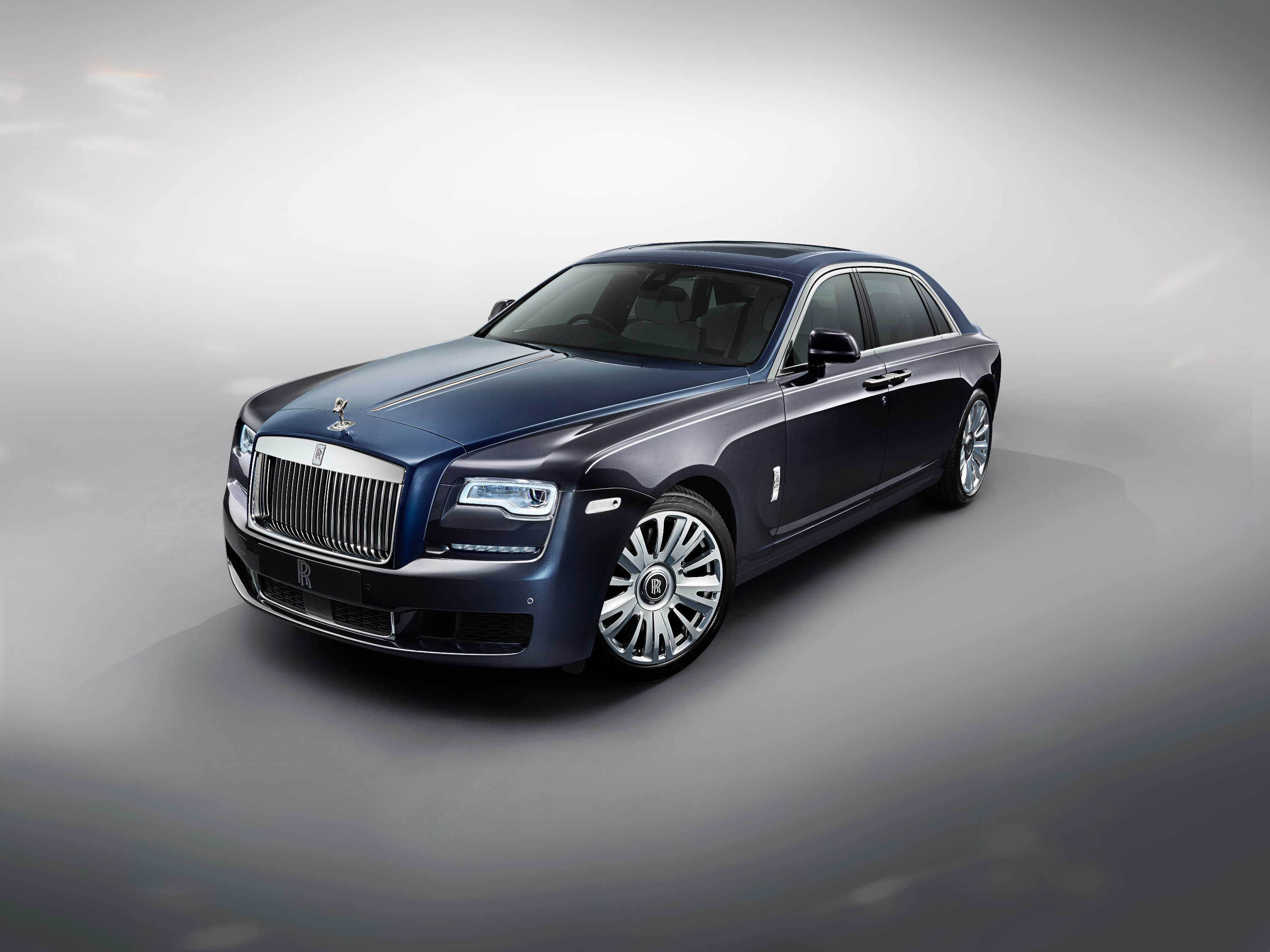 Rolls-royce Ghost Extended Wheelbase Awarded Best Super-luxury Car By What Car? Magazine