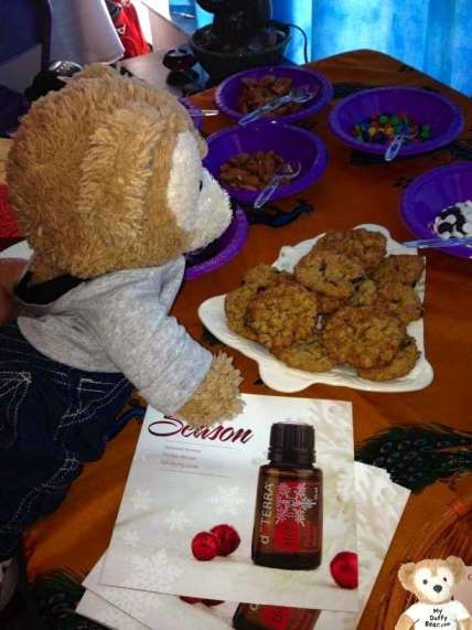 Duffy the Disney Bear helps himself to a free cookies