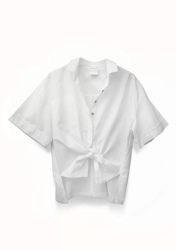 White short sleeve shirt made from organic and recycled cotton - front