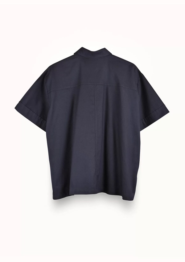 Dark blue short sleeve shirt made from organic and recycled cotton - back