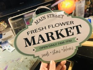 Rustic Flower Sign DIY – Dollar Store Spring Decor