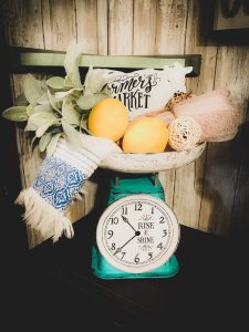 Antique Kitchen Scale DIY – Farmhouse Clock