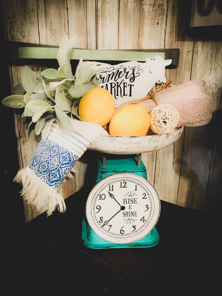 You are currently viewing Antique Kitchen Scale DIY – Farmhouse Clock