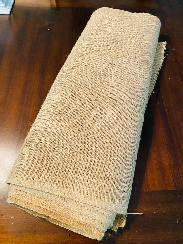 burlap used for a patriotic table runner