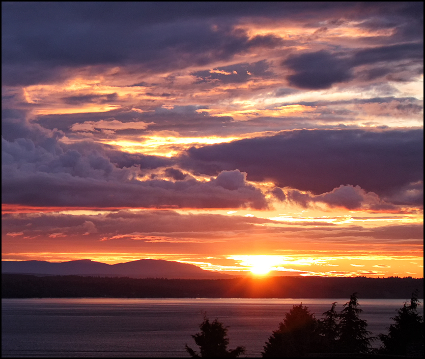 Edmonds scenic: A sunset-painted sky | My Edmonds News