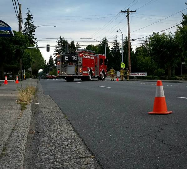 EPD, @SnoCoFire1 & @SnoPUD on-scene of downed lines. Road closed on 212 from 74-80th and on 76th from 210-216th. Investigating cause.