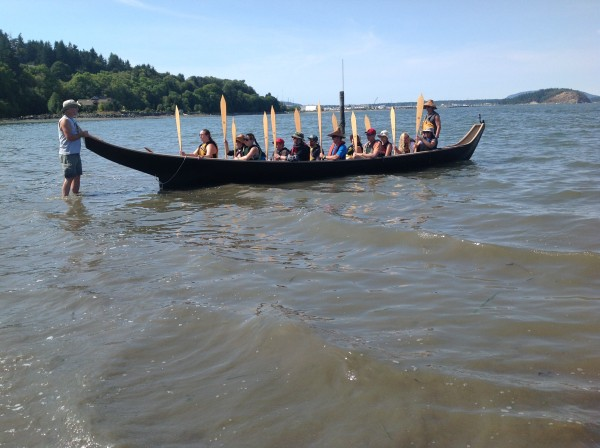 Edmonds CC students, faculty, and staff participating in 2015 tribal canoe journey Credit: Edmonds Community College