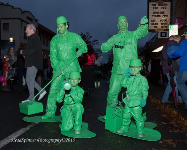 Group winner: Sindora Family - green army men.