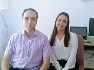 Profesores de inglés Chris y Arantxa