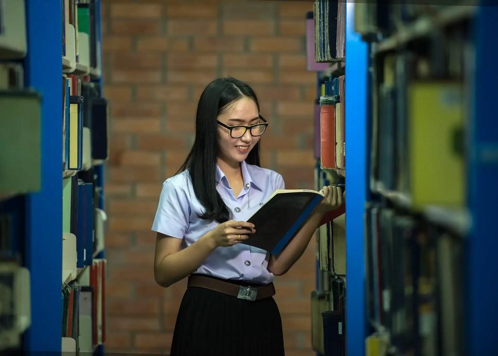 Estudia inglés por tu cuenta con libros o cursos online