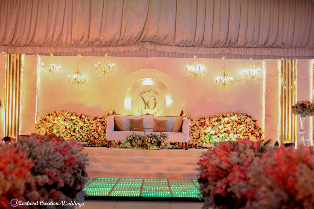 Stage Design and Ambience