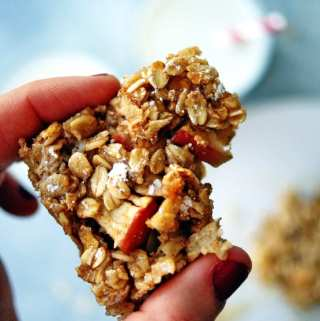 Healthy Baked Apple Oatmeal Bars1