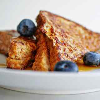 Almond Butter Stuffed French Toast - a nutritious, filling breakfast! | anutritionisteats.com