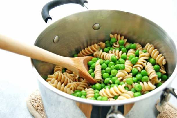 pasta and peas in a pot