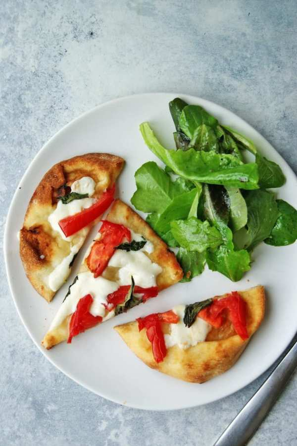 easy naan pizzas