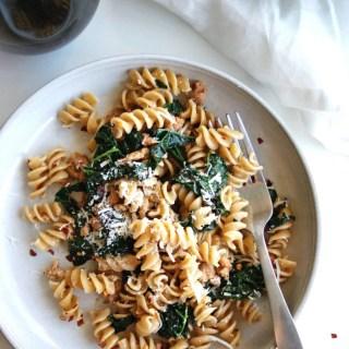 Healthy Kale & Sausage Pasta: 5 ingredients, 15 minutes