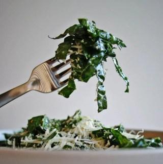 Simple Lemon Kale Salad - the best way to eat kale! | anutritionisteats.com