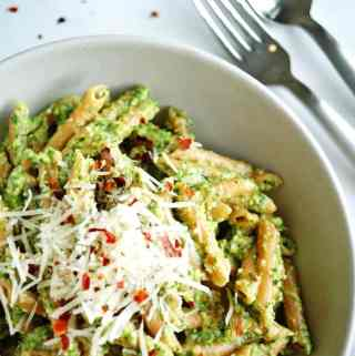Lentil Pasta + Arugula Pesto - gluten free, high in protein and a delicious spring meal! | A Nutritionist Eats